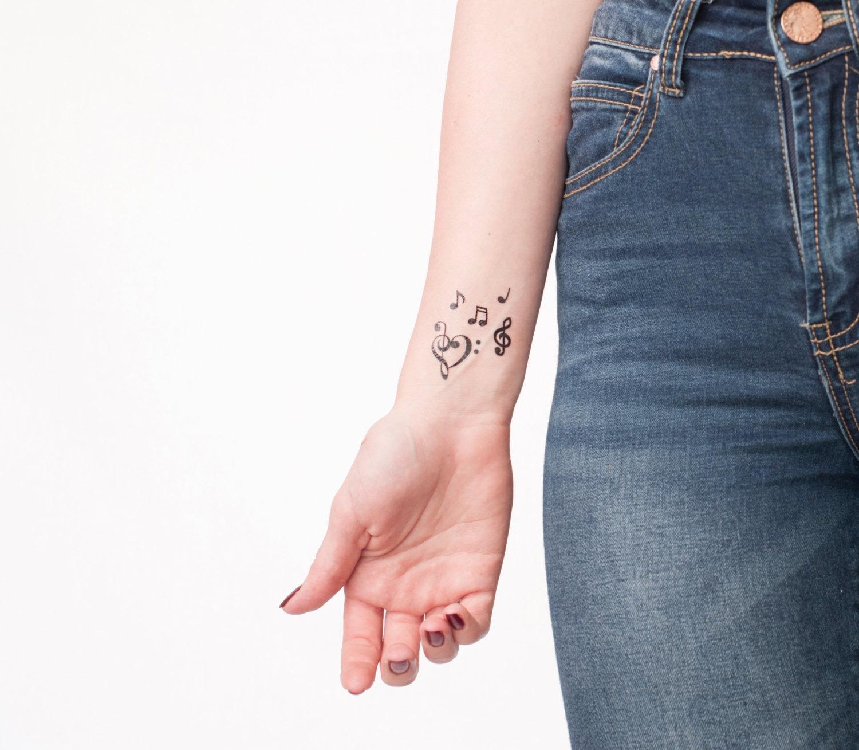 Татуировки на запястье и их значение фото