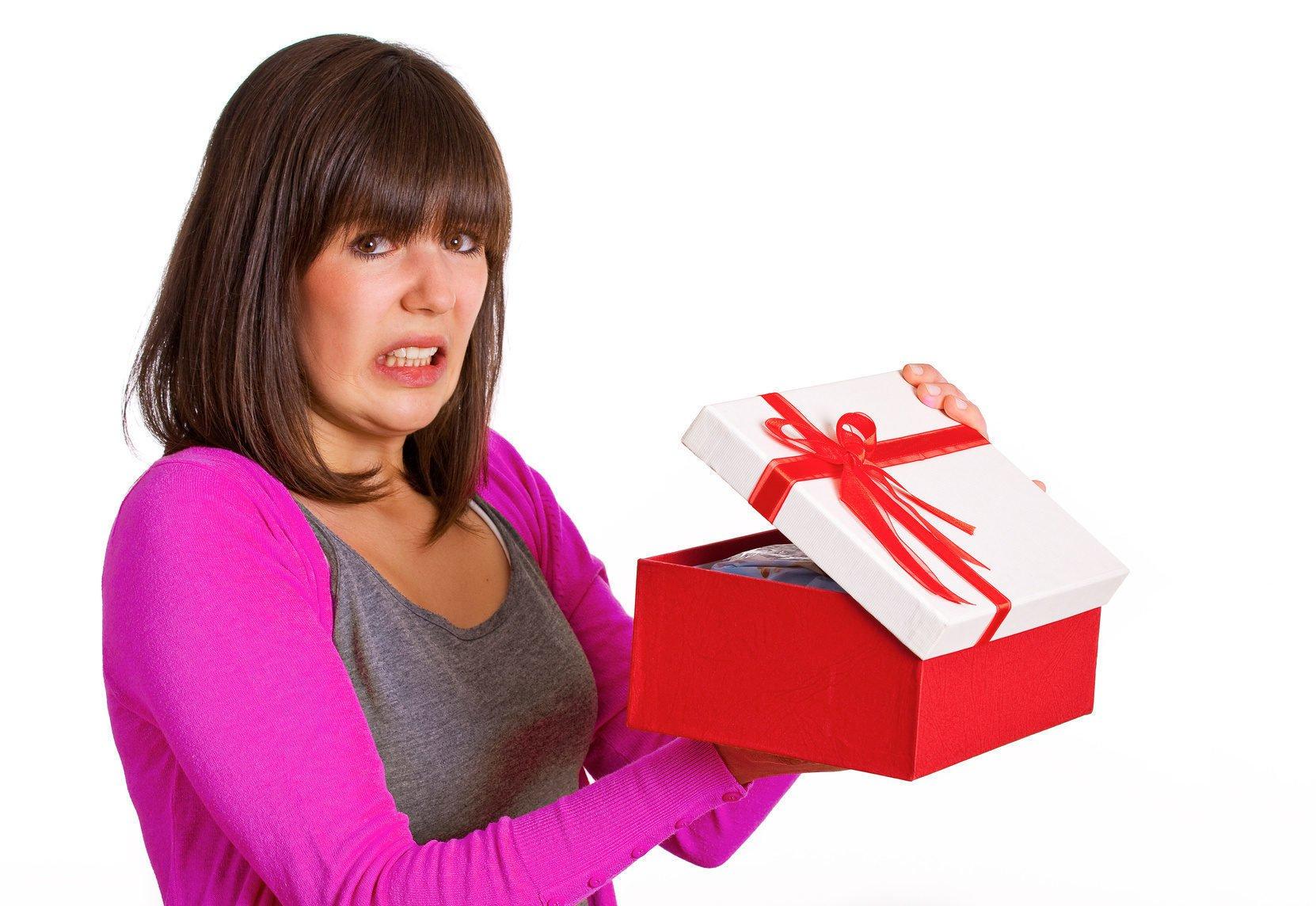 Подарки которые нельзя дарить девушке