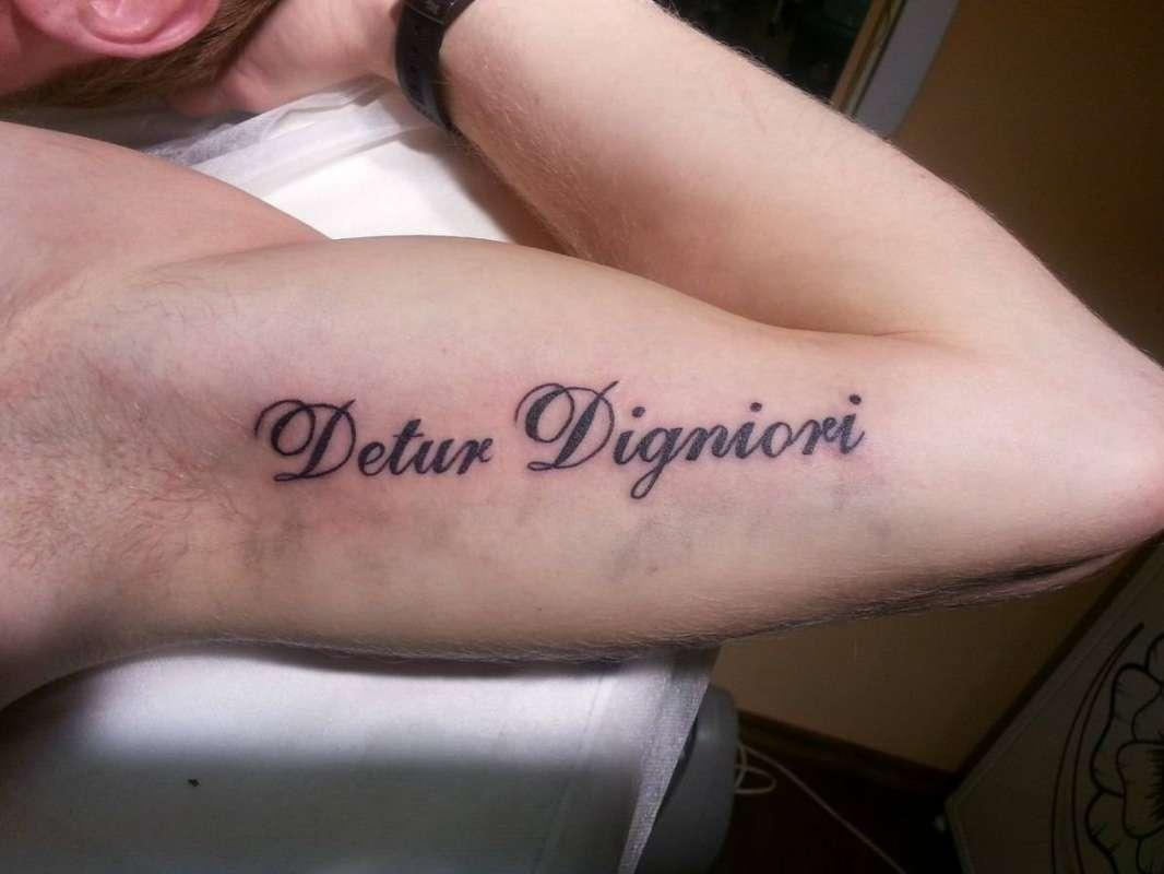 Popolare тату надписи на ноге женские фото с переводом