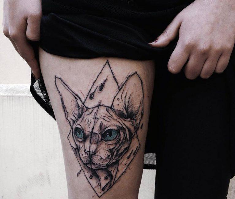 Татуировки на ногах стали очень популярны