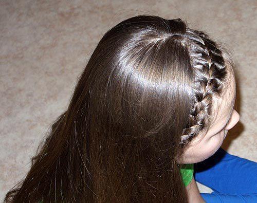 Даже челку можно заплести в косу