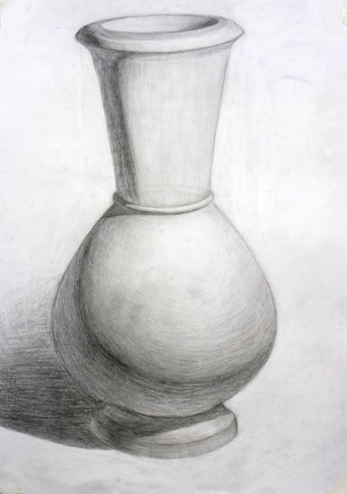Ваза, нарисованная карандашом