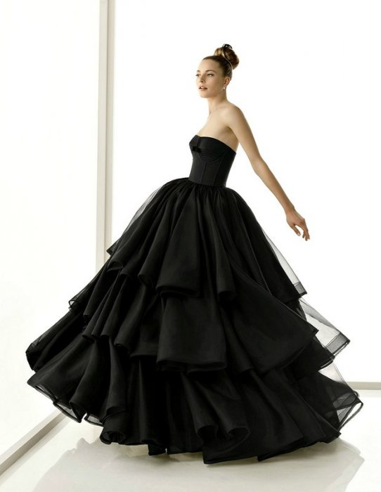 Черный цвет свадебного платья — к несчастьям