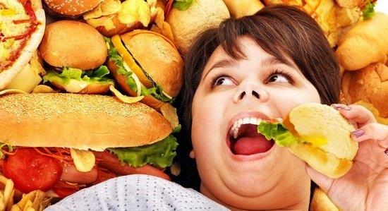 Глюкоза – простой углевод, быстро проникает в кровь и снабжает организм энергией. В принципе, без углеводов организм может обойтись, а без белков и жиров - долго не протянет