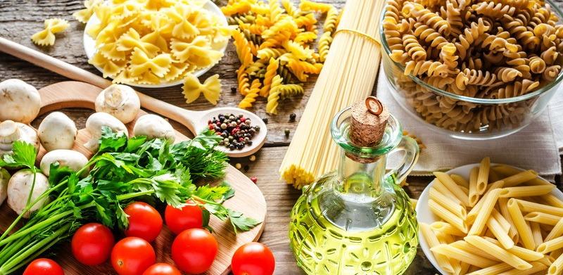 Простые углеводы являются вредной пищей для нашего тела. Они представляют собой небольшие молекулы сахаров, которые невероятно быстро усваиваются нашим организмом