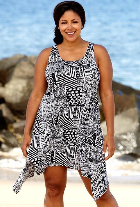 Простой пляжный фасон платья для полных девушек
