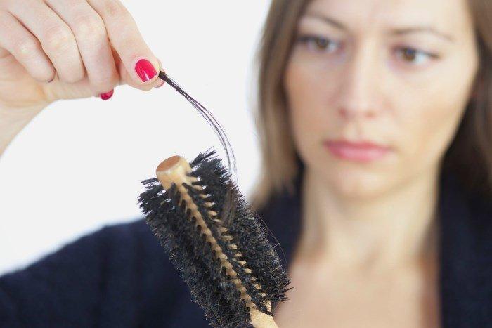 Берегите свои волосы, проводите процедуры и лечение, не допускайте повреждения