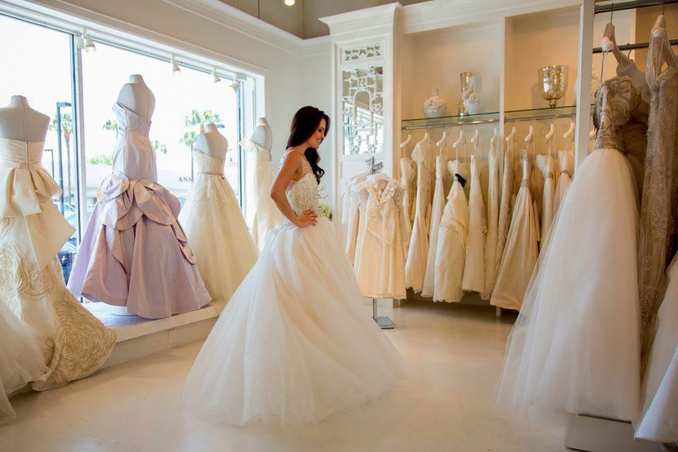 Свадебное платье может снится к знакомству с мужчиной