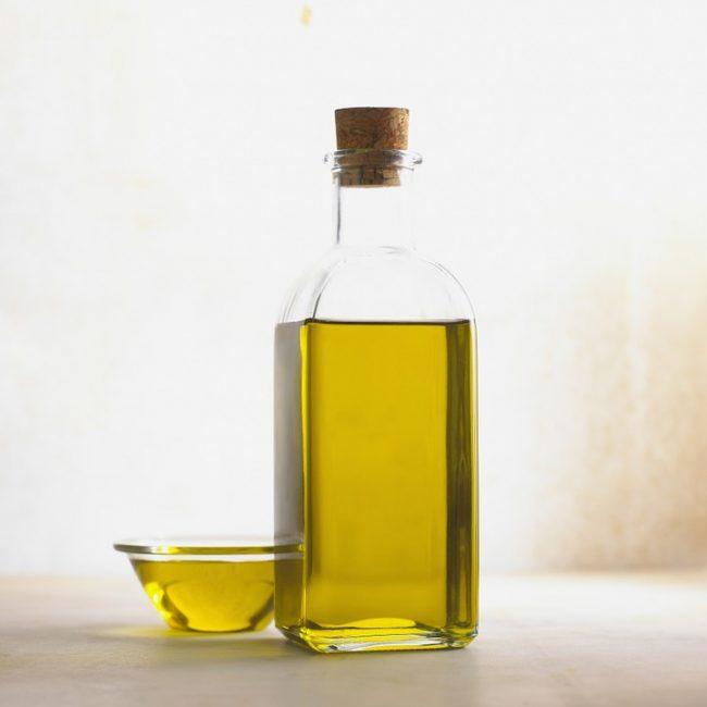 Репейное масло – старинное эффективное средству для укрепления волос