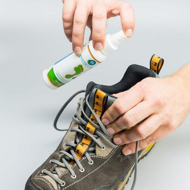 Дезодорант может быть, как для обуви, так и для ног