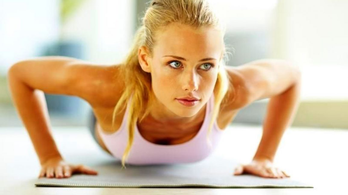 Отжимания укрепят мышцы грудной клетки