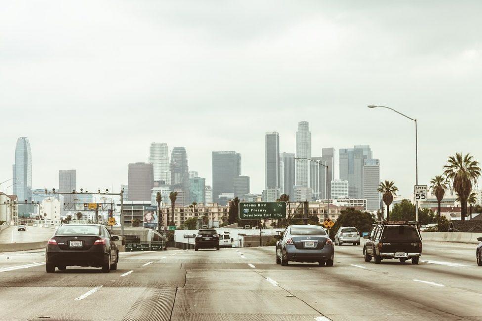 Лос-Анжелес занимает второе место по плотности населения в Америке