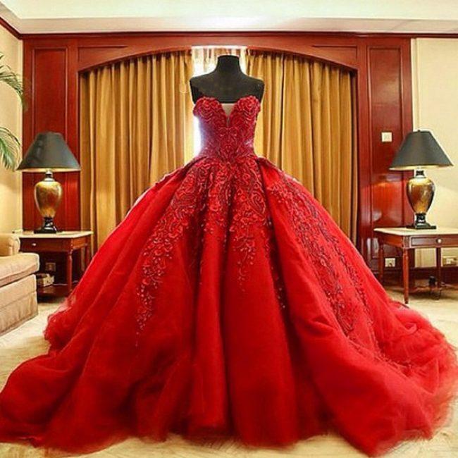 Если вам снится красное платье, обратите внимание на свою сексуальную жизнь