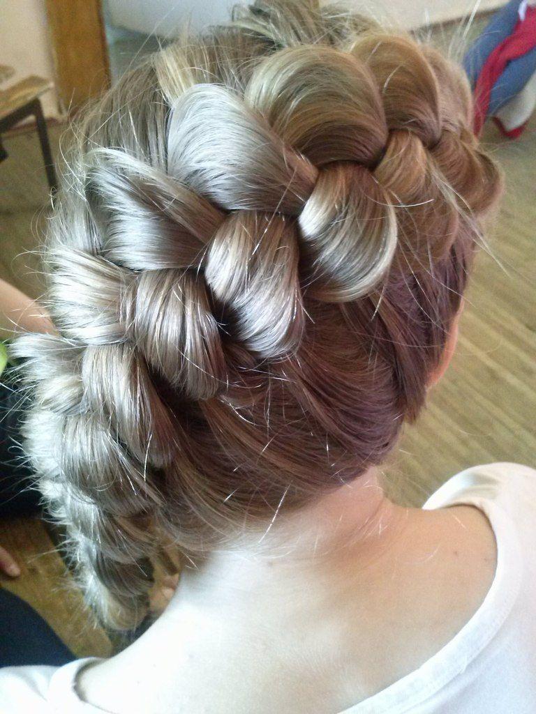 Плетение кос на средние волосы 8 простых причесок