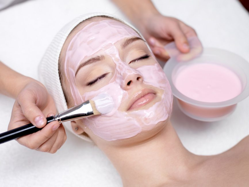 Химический пилинг позволяет клеткам кожи обновляться