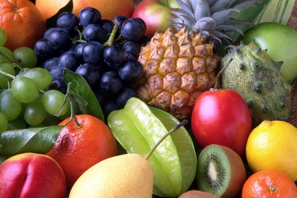 Тропические фрукты богаты природной аскорбинкой, калием, йодом, биологически активными веществами. Они составят солидную конкуренцию таким привычным продуктами как апельсины, зеленые яблоки, персики и хурма