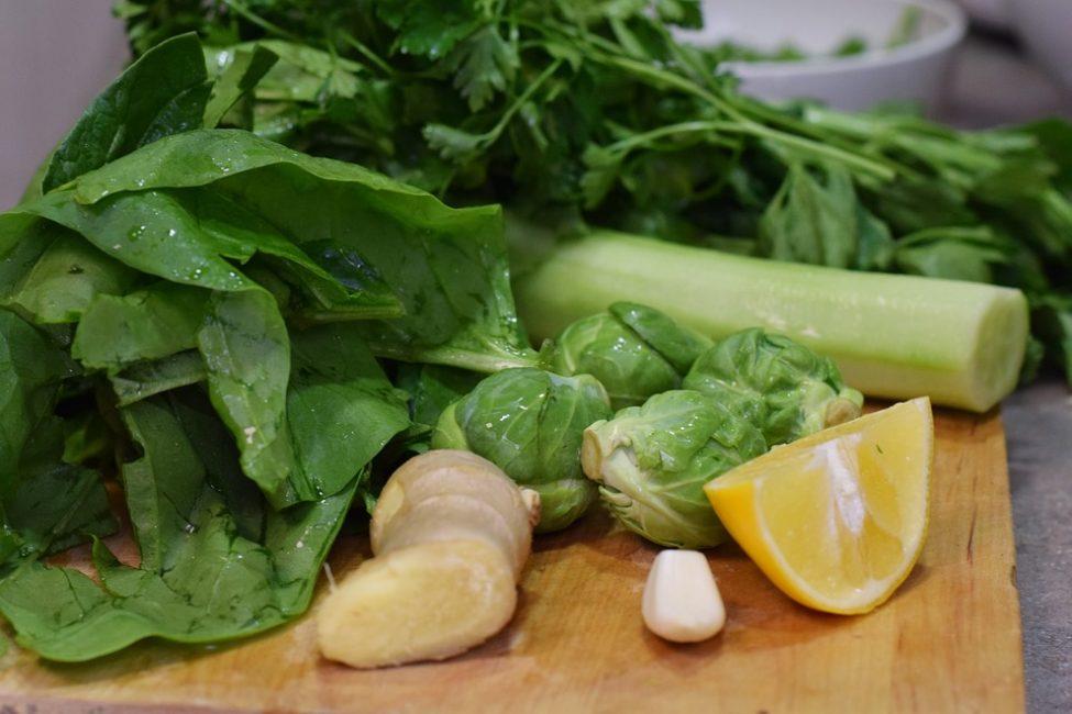 Постепенно следует увеличивать порции овощей