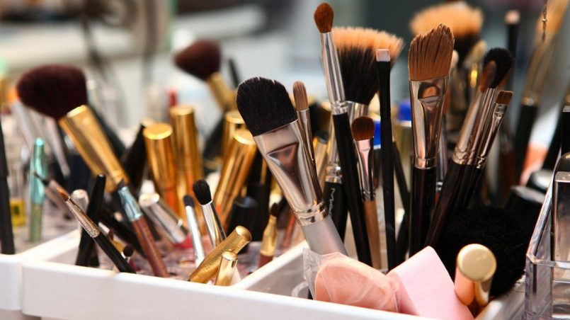 Инструменты для макияжа глаз
