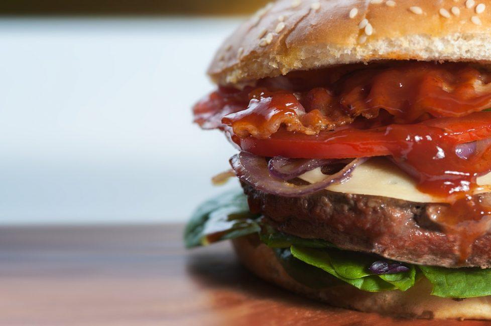 Хотите иметь стройную фигуру – не злоупотребляйте жирной пищей
