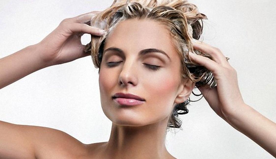 Пользуйтесь увлажняющими масками после окрашивания волос