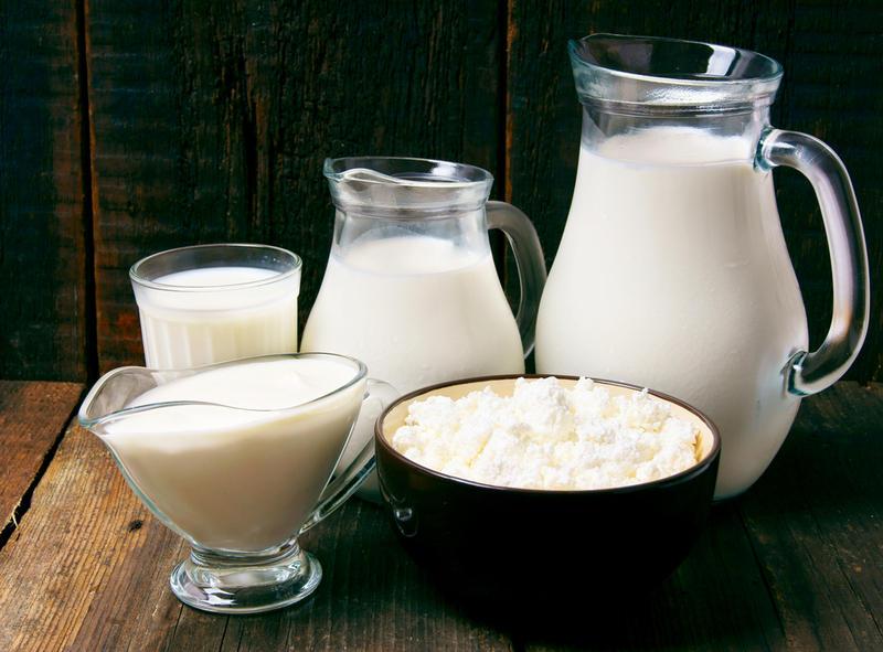 Кефир - продукт белковый, а значит, чувство голода проходит после одного-двух стаканчиков напитка