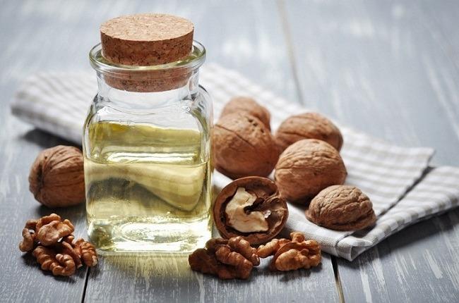 Ценным продуктом является и масло ореха