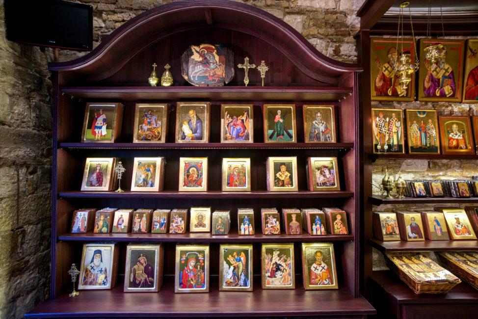 Купить икону можно в церковной лавке