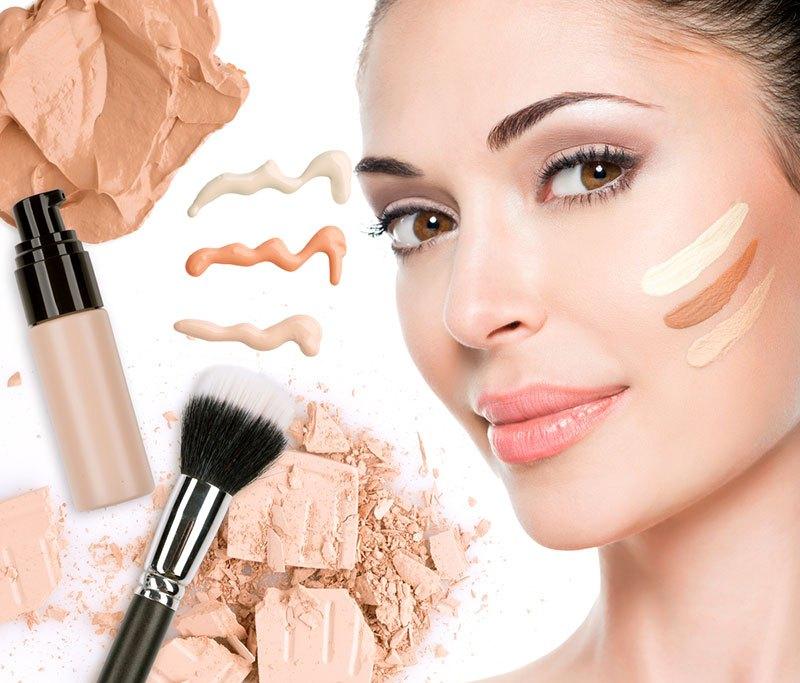 Одним из обязательных косметических средств в макияже принято считать тональную основу, она поможет скрыть большое количество недостатков на лице
