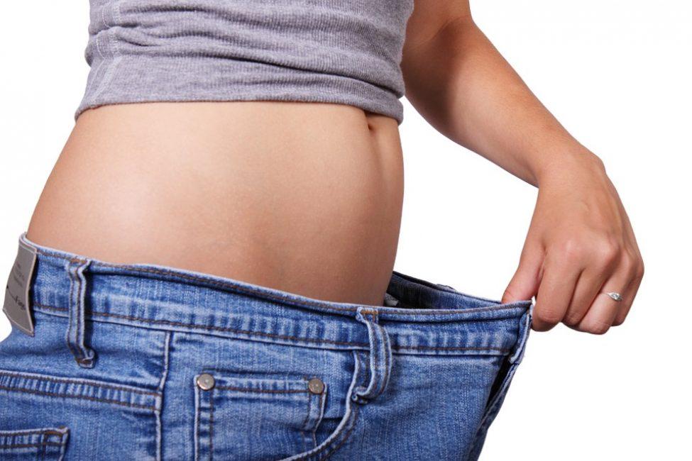Чтобы понять принцип питания на протяжении этого периода, следует рассмотреть примерное меню белковой диеты. Длиться она может не более 2 недель, а повторять ее можно 2 раза в год