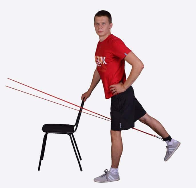 Отведение ног с ленточным эспандером