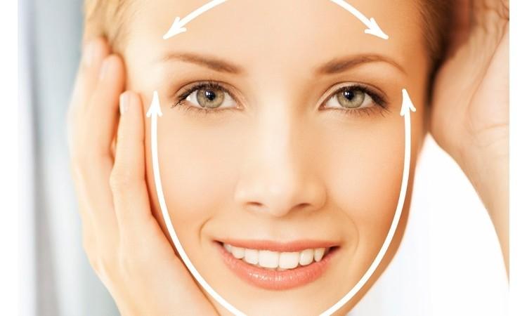 В течение одного занятия необходимо проработать все основные лицевые зоны: лоб, нос, подбородок, щеки, шею и глазные орбитали.