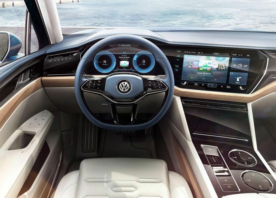 Интерьер концепт кара Volkswagen T-Prime GTE