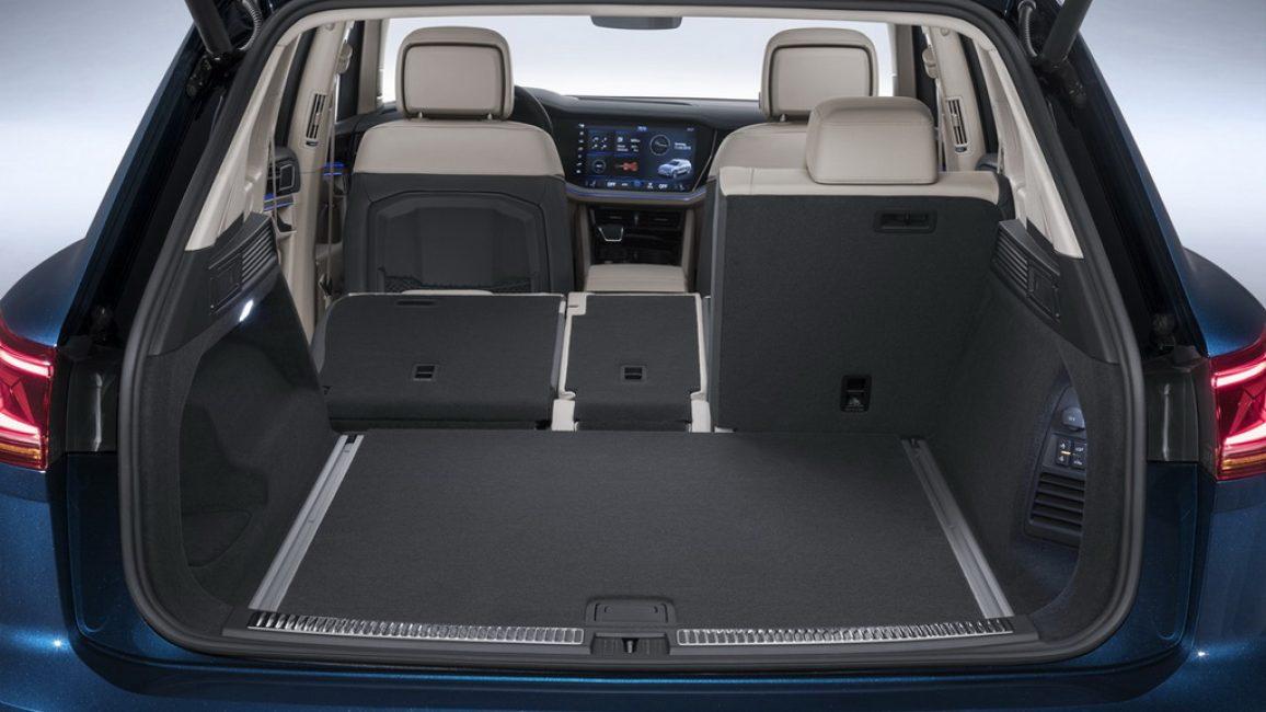 Багажное отделение Volkswagen Touareg