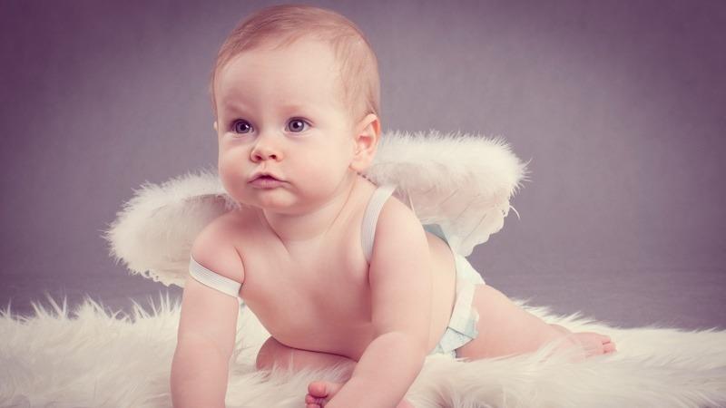 Малыш-ангелочек