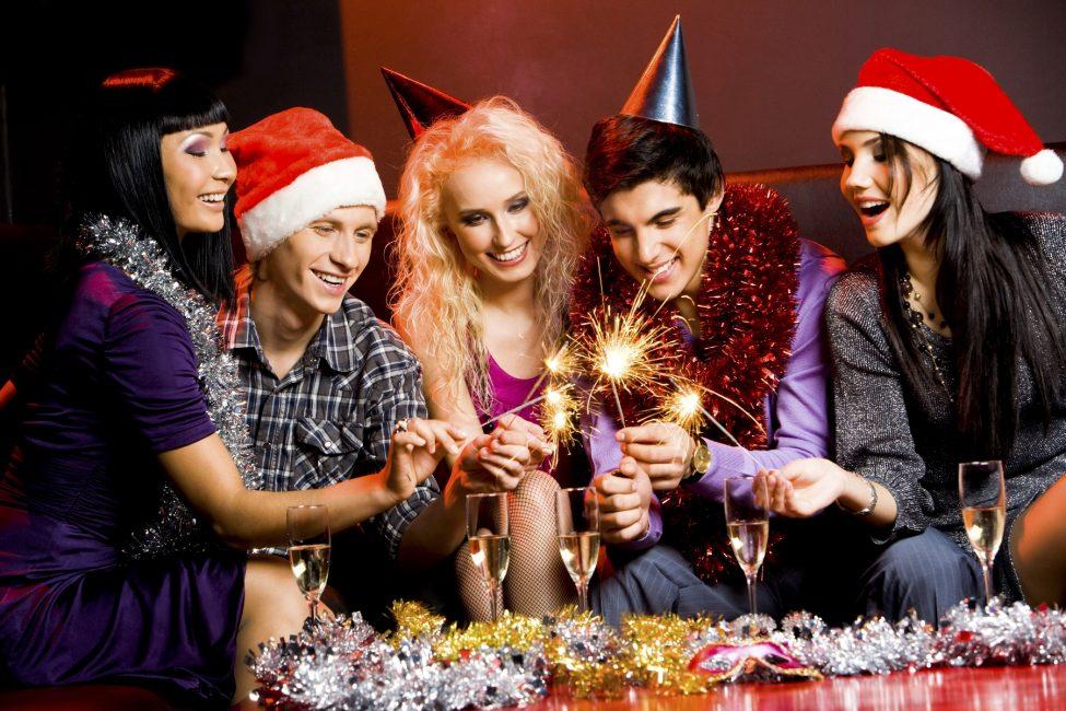 Поздравление за столом с новым годом