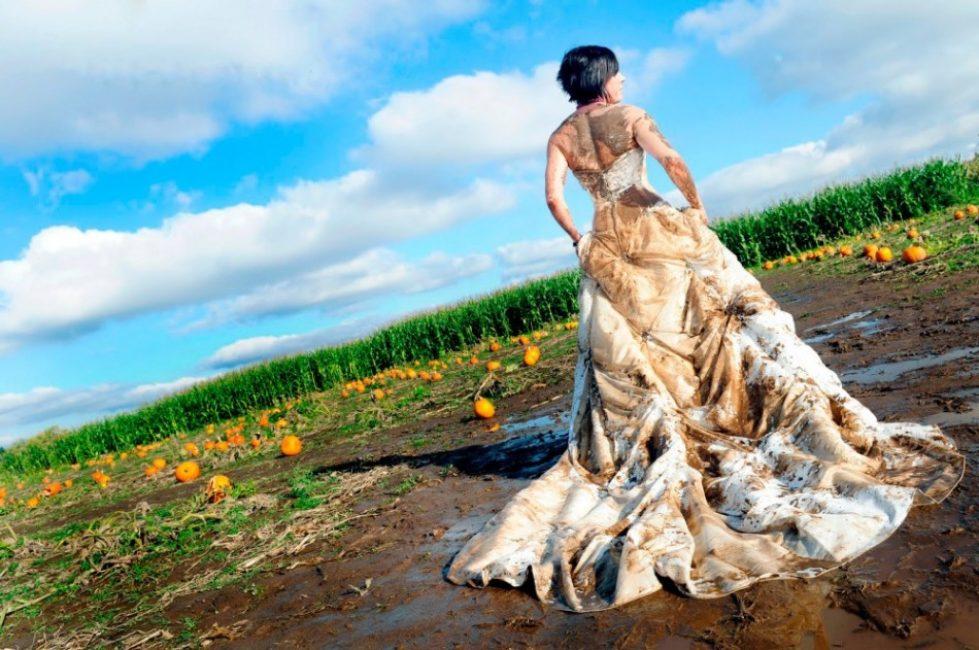 Испачканное свадебное платье