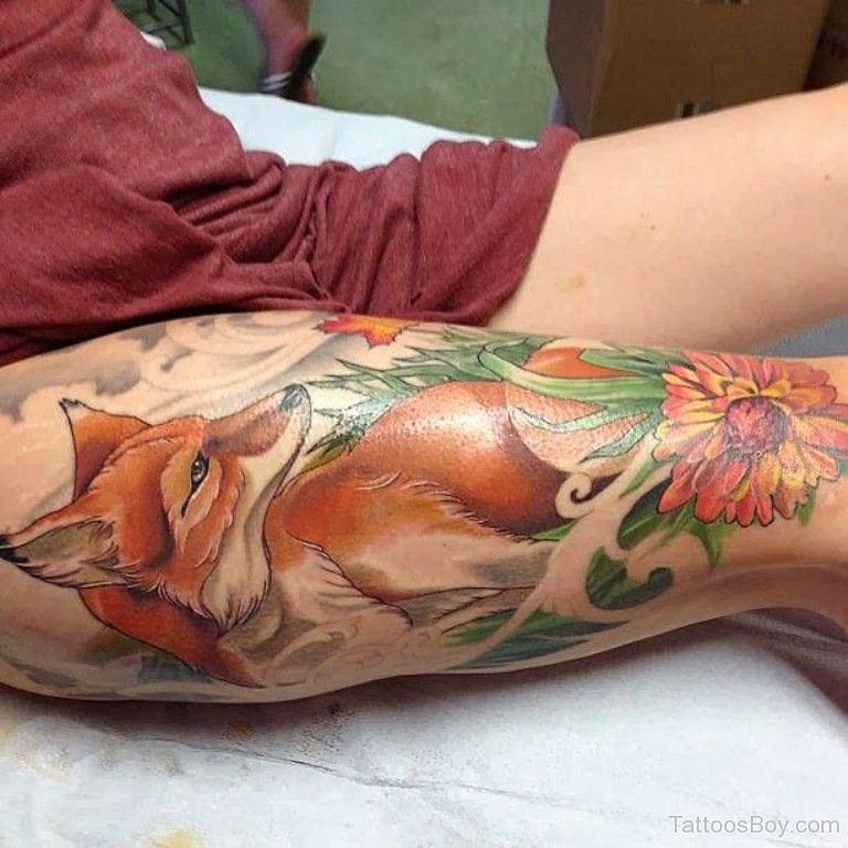 Хитрость не в лисе, а в любви к природе. Теплые тона татуировки добавляют чувства уюта.