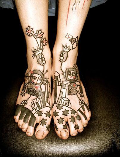 Татуировка в стиле ар брют