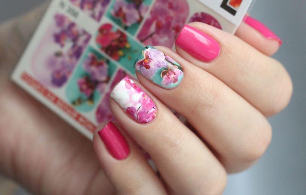 Нежные цветы-наклейки