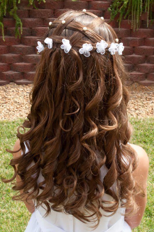 Завитые волосы с корзинкой