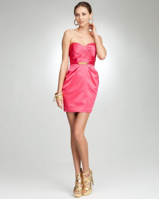 Коралловое платье-тюльпан