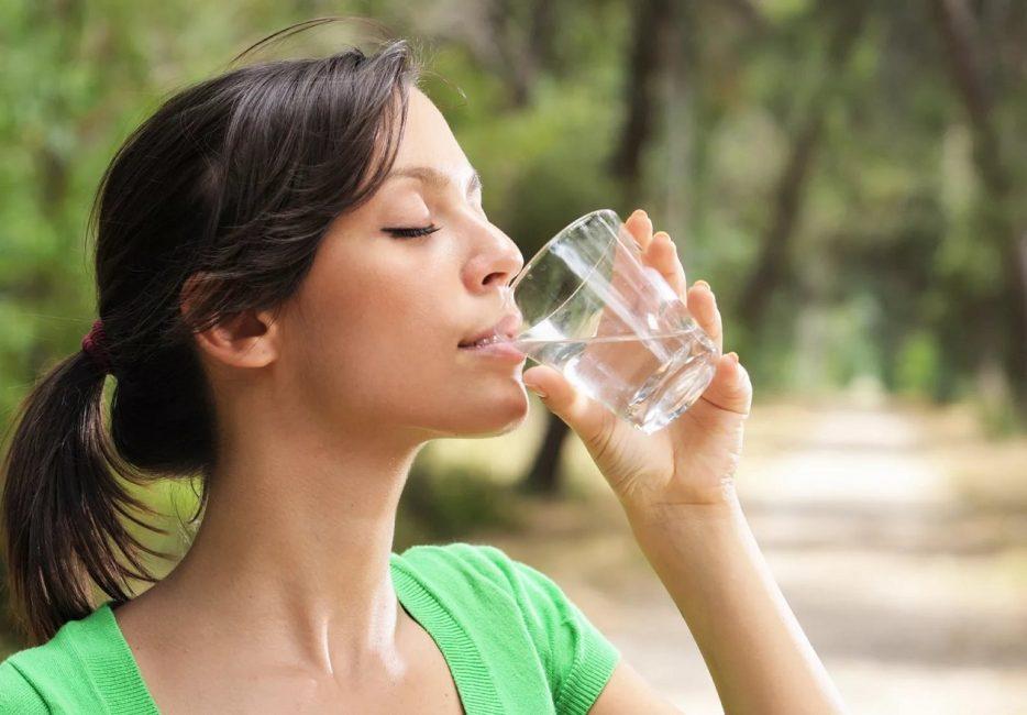 Выпивайте 2 литра воды ежедневно