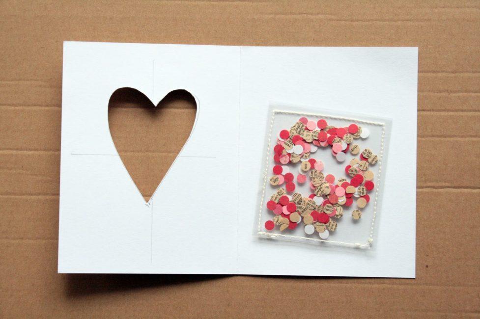 Один из примеров использования конфетти в открытке