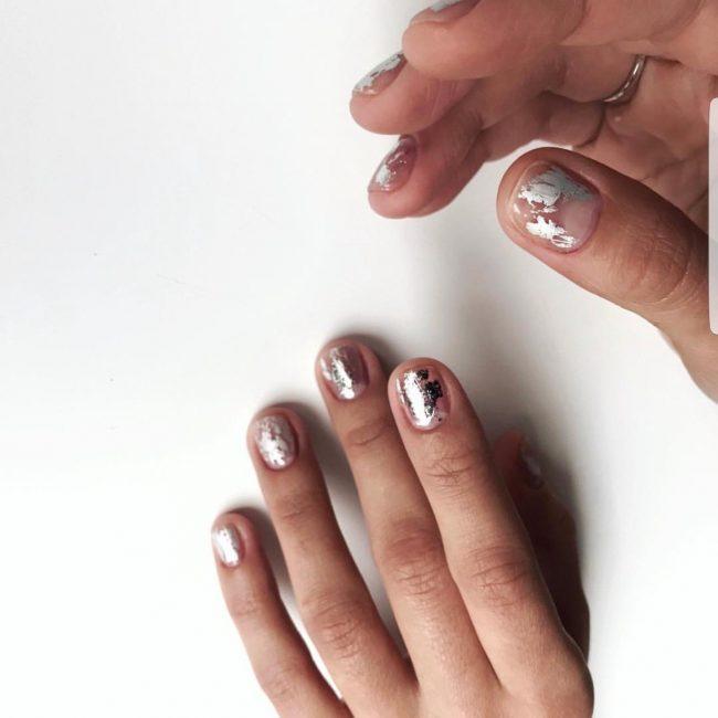 Маникюр с использованием цвета «металлик»