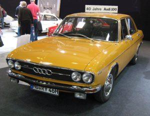 Audi 100 (С1) первого поколения