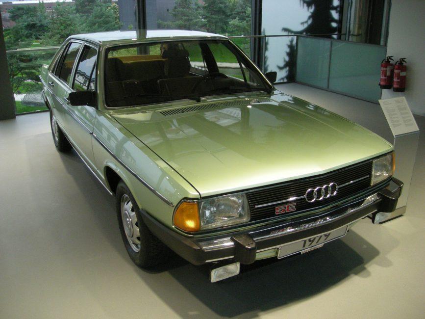 Audi 100 (С2) второго поколения