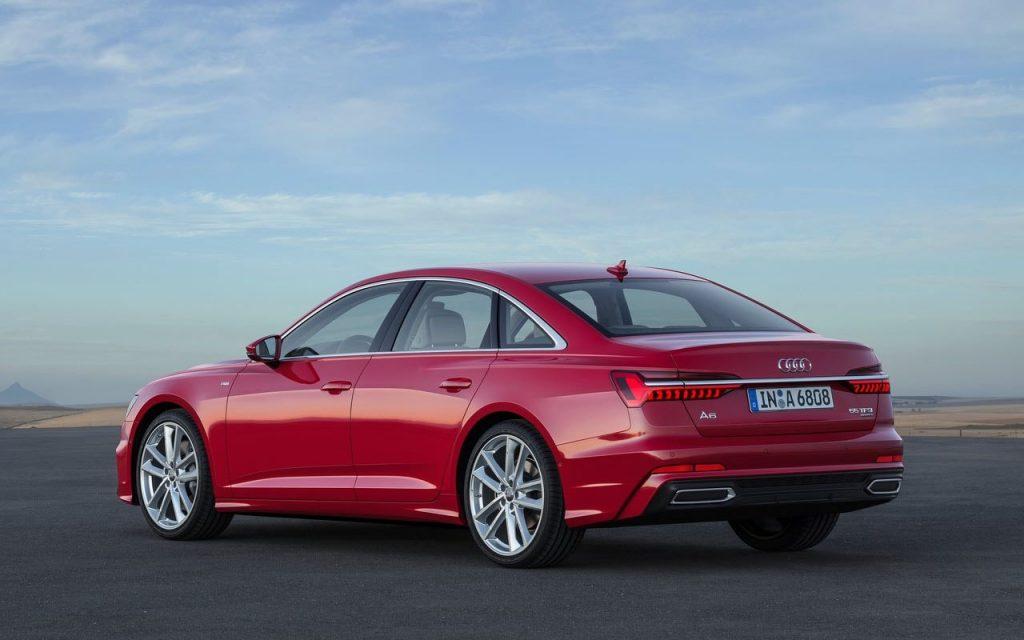Вид сзади на новую Audi A6