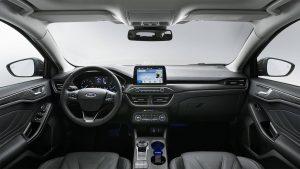 Передняя панель нового Ford Focus