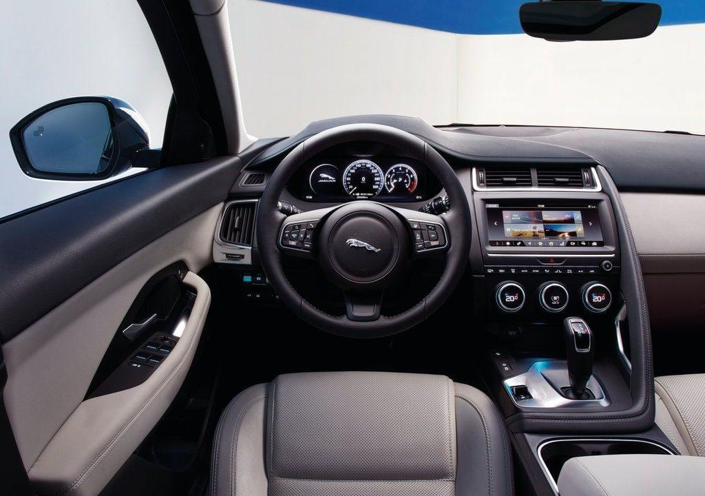Передняя панель Jaguar E Pace