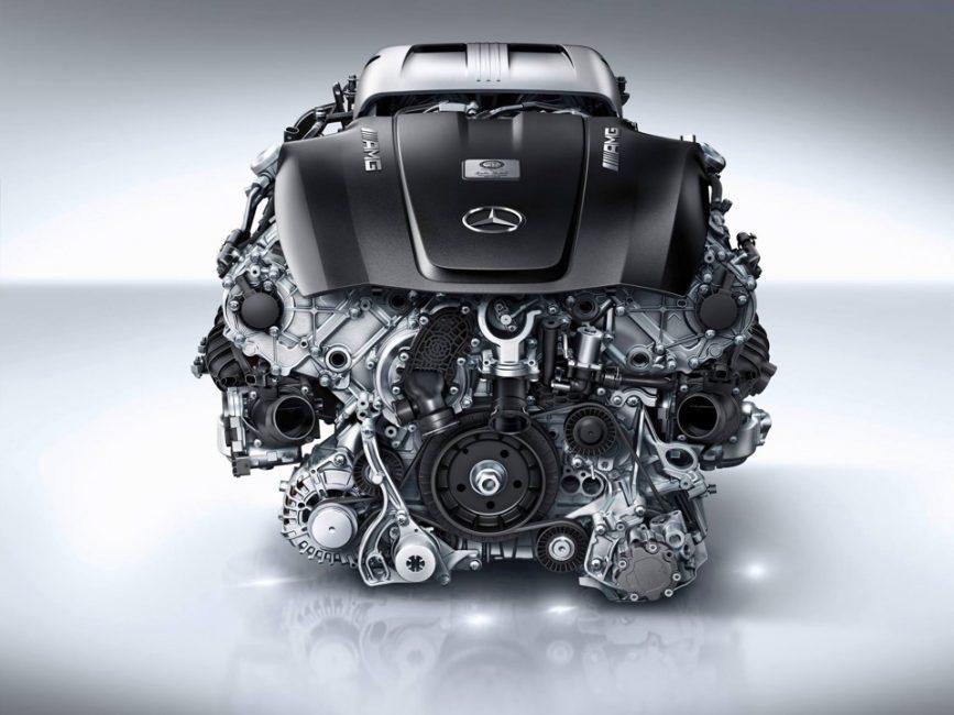 Двигатель Mercedes-Benz AMG 4.0-litre V8 biturbo